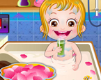 Hazel Bebek Banyo Günü
