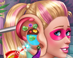 Süper Barbie Kulak Tedavisi