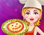Sara Pizza Yapıyor